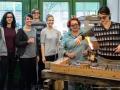 Renate Prehal beim Glasworkshop-4YHKUK-2016