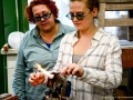 Renate Prehal beim Glasworkshop-3YHKUK-2016