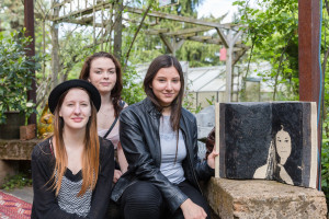 Elena Rothwangl, Katharina Suppan und Claudia Koller, Keramik Art Craft, mit Facebook im kunstGarten